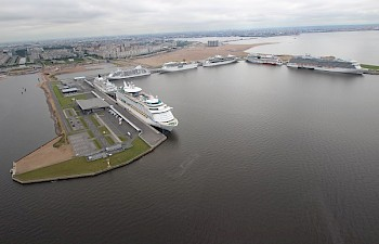 "01.07.2014 Passenger port of St. Petersburg ""Marine facade"" hits record accepting 14 204 passengers"