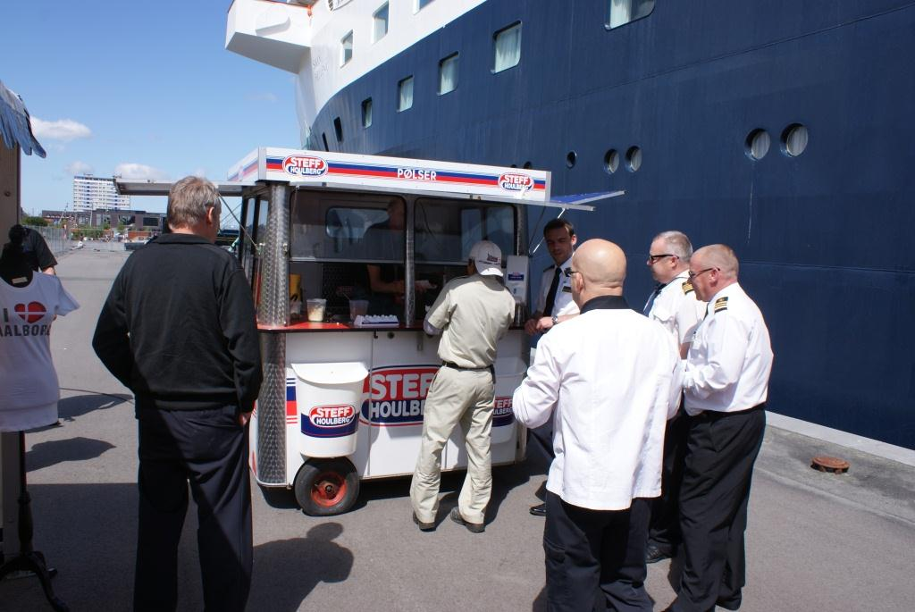 Port of Aalborg - free hotdogs to everyone