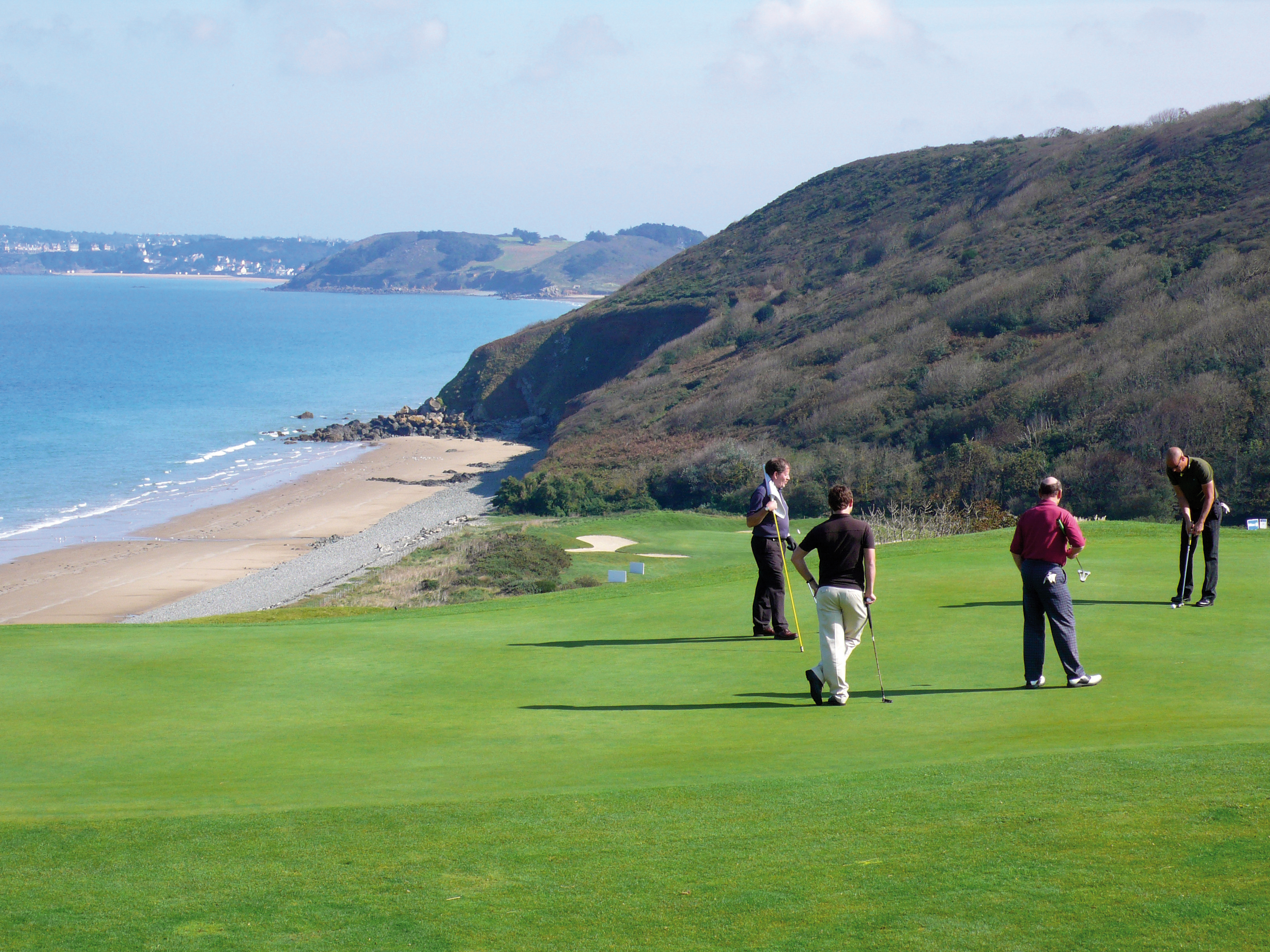 4 golf courses around St Malo offering breathtaking scenery and high quality facilities