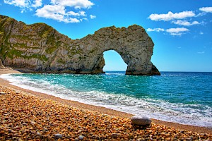 durdle door hdr by Paul Tomlin licensed under CC BY 2.0