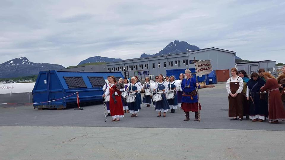 Viking-welcome at Leknes pier