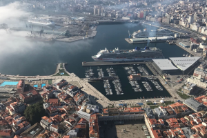 TRIPLE CALL AT THE PORT OF A CORUÑA