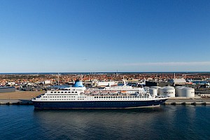 Skagen recognises the crew as passenger visits hit new highs