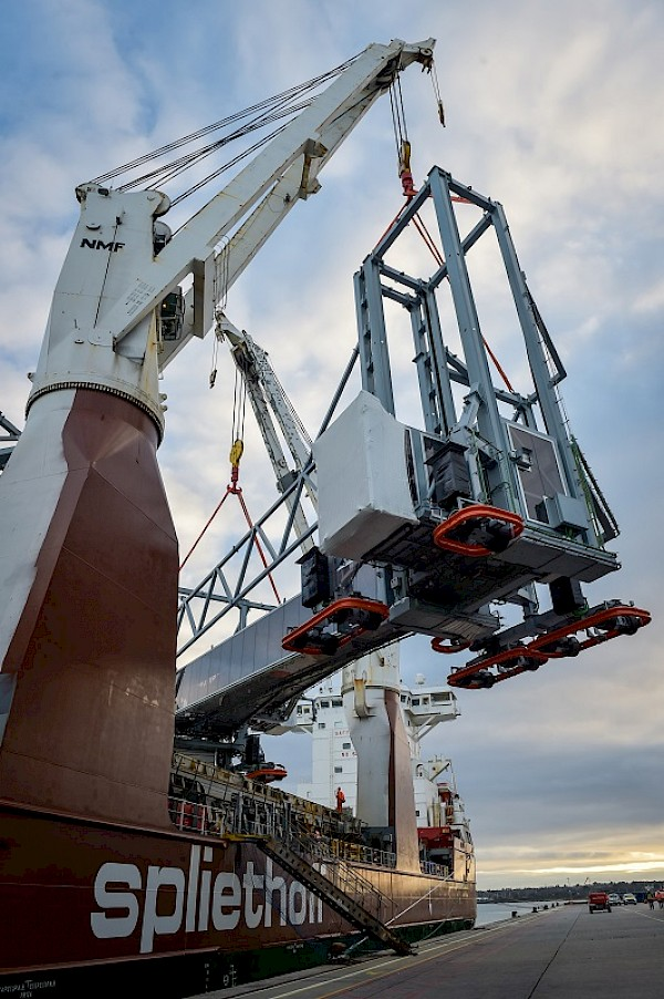 Cruise upgrade reaches milestone at the Port of Southampton with double air bridge delivery